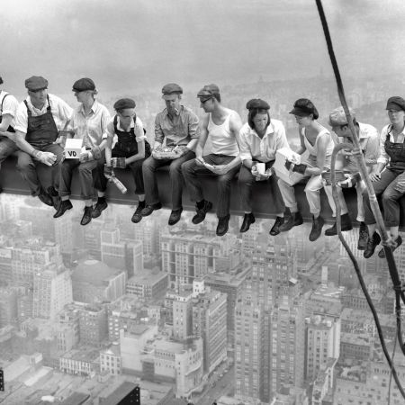 lunch_atop_skyscraper_1.jpg